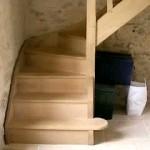 Escalier en bois à barreaux fuseaux